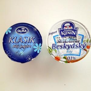 Bile_jogurty_tuk