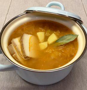 Zelná polévka s uzeným tofu