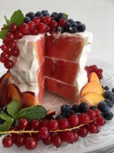 Melounový dort nakrojený