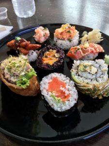 Sushi a hubnutí celozrnná rýže